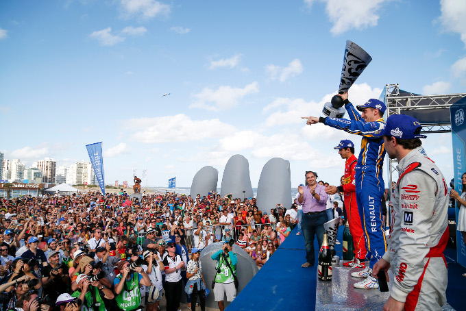 Formula E: Buemi battles from fifth to win
