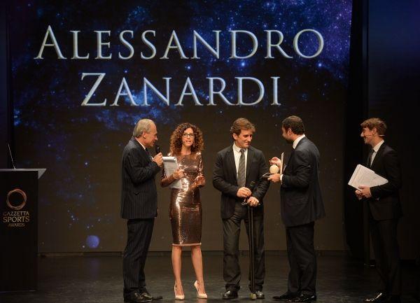 """Alex Zanardi premiato come """"Leggenda"""""""