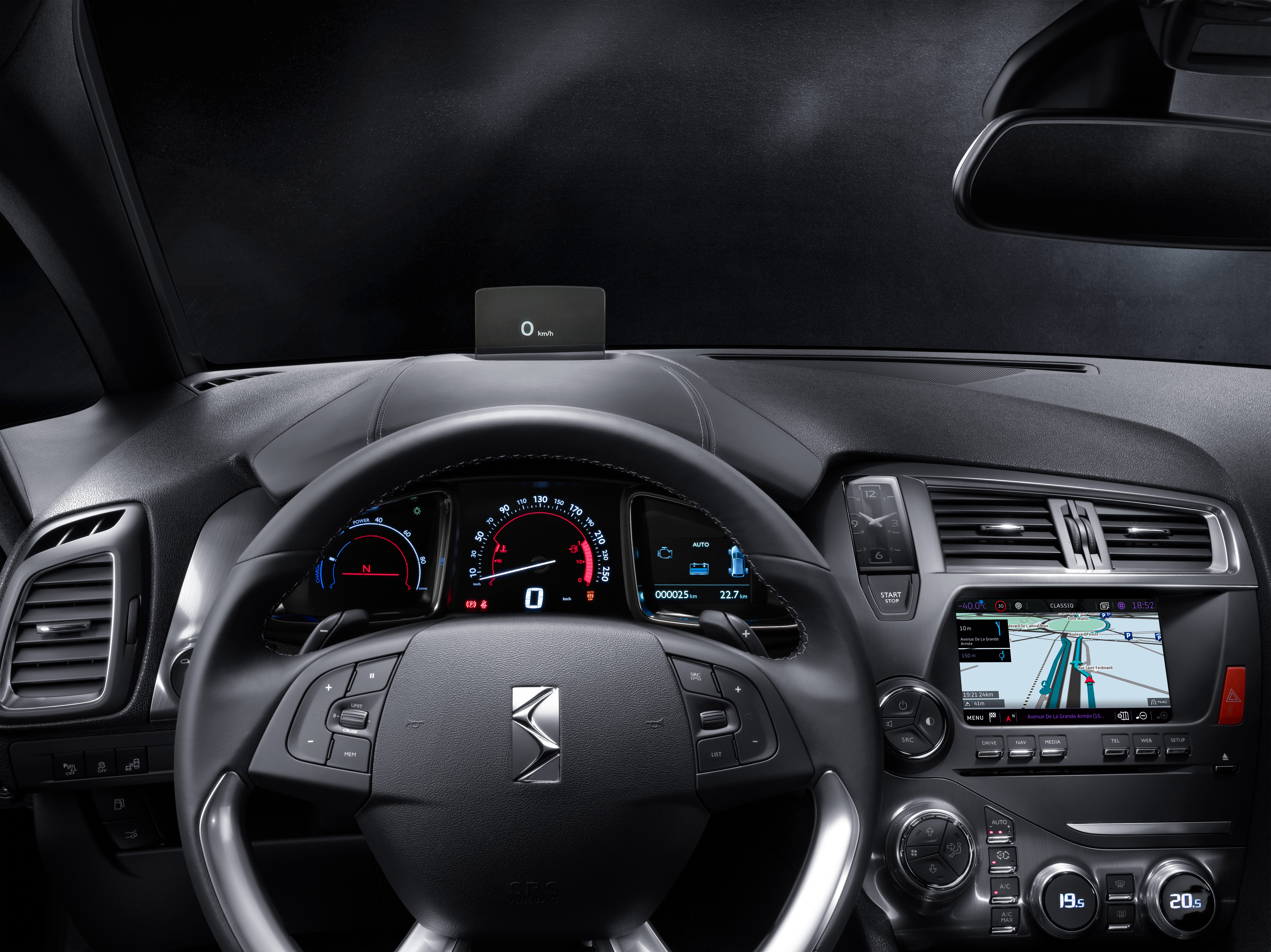 Nuova DS 5 con DS CONNECT NAV