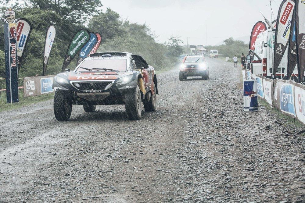 Dakar: le quattro Peugeot 2008 DKR nella top 5