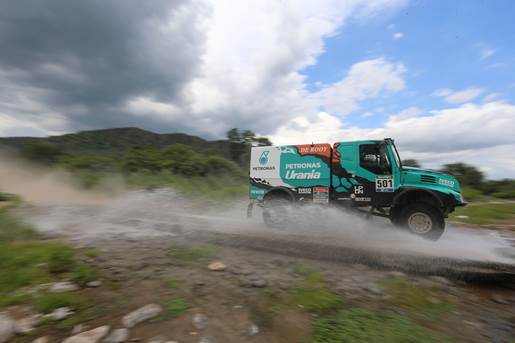Goodyear vince la Dakar 2016 con De Rooy