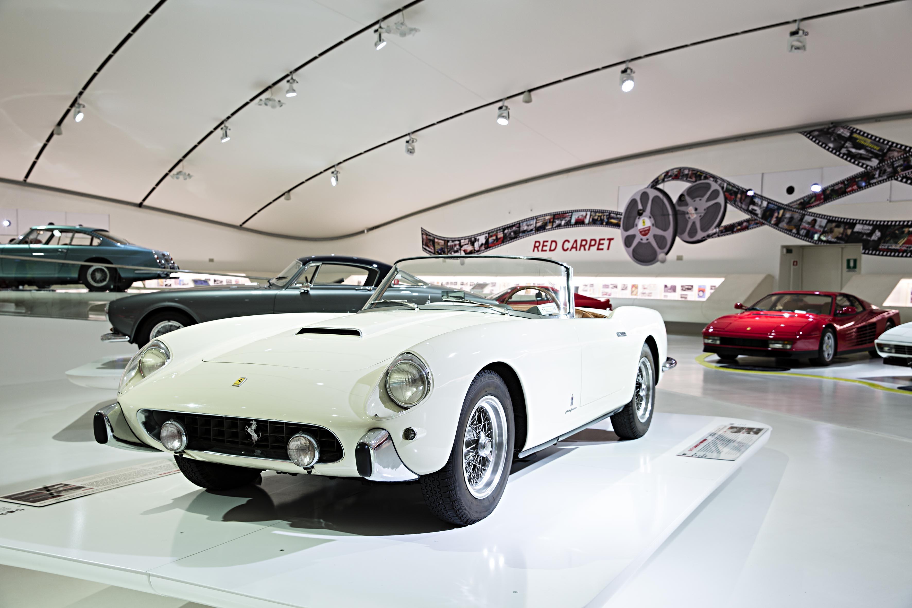 "Al Museo Enzo Ferrari ""Red Carpet"""