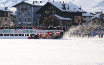 Fisichella e la Rossa sulla neve a Livigno