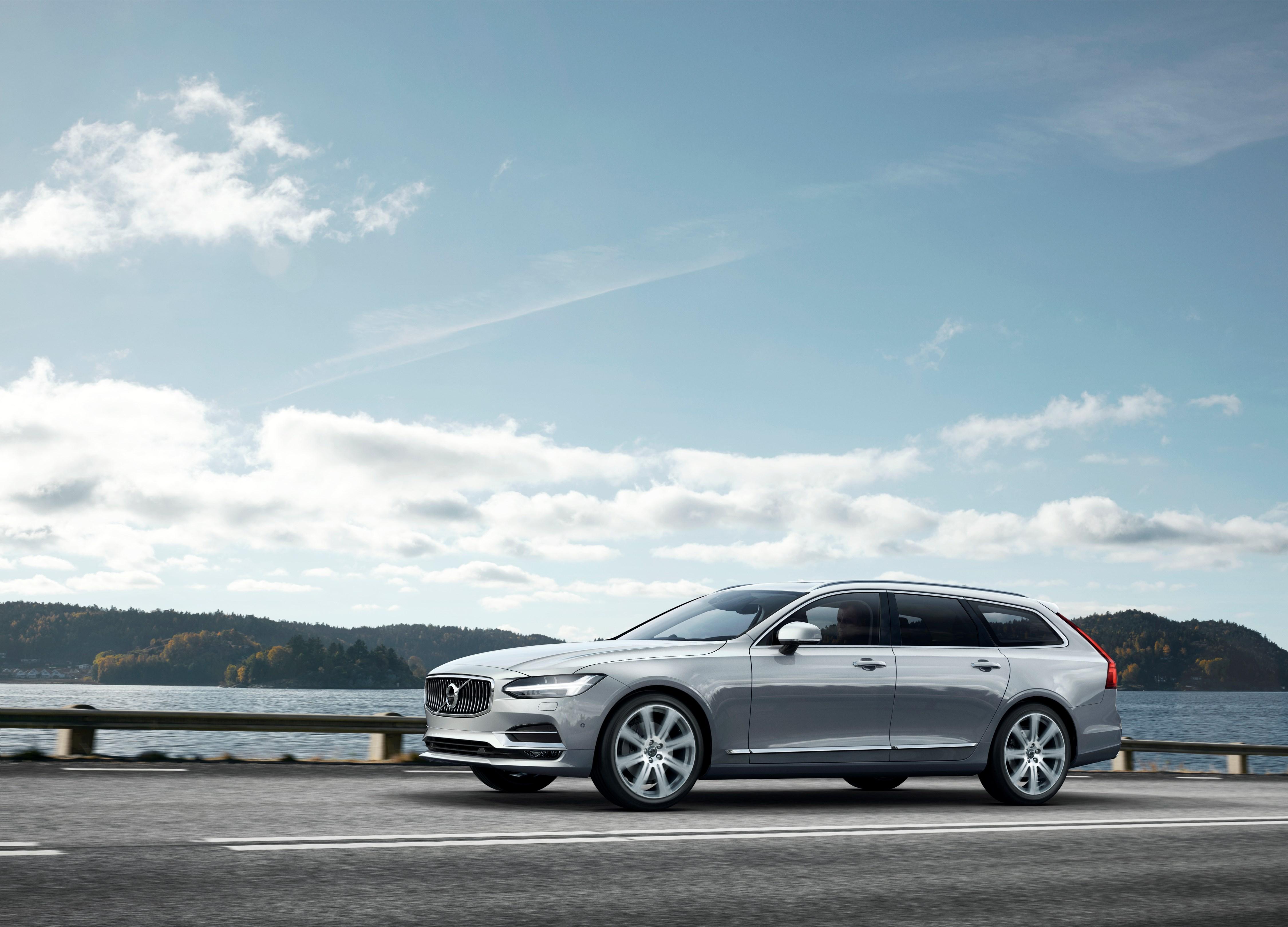 Volvo Cars presenta la nuova V90