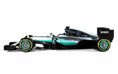 Ecco la W07 Hybrid di Hamilton e Rosberg