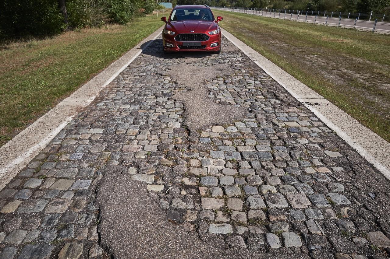 Ford: test sulla strada più accidentata al mondo