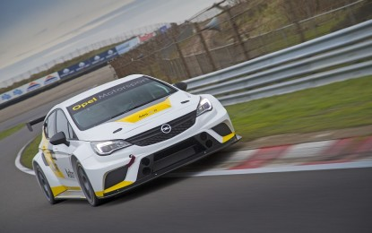 Sette Opel Astra TCR per la Target Competition