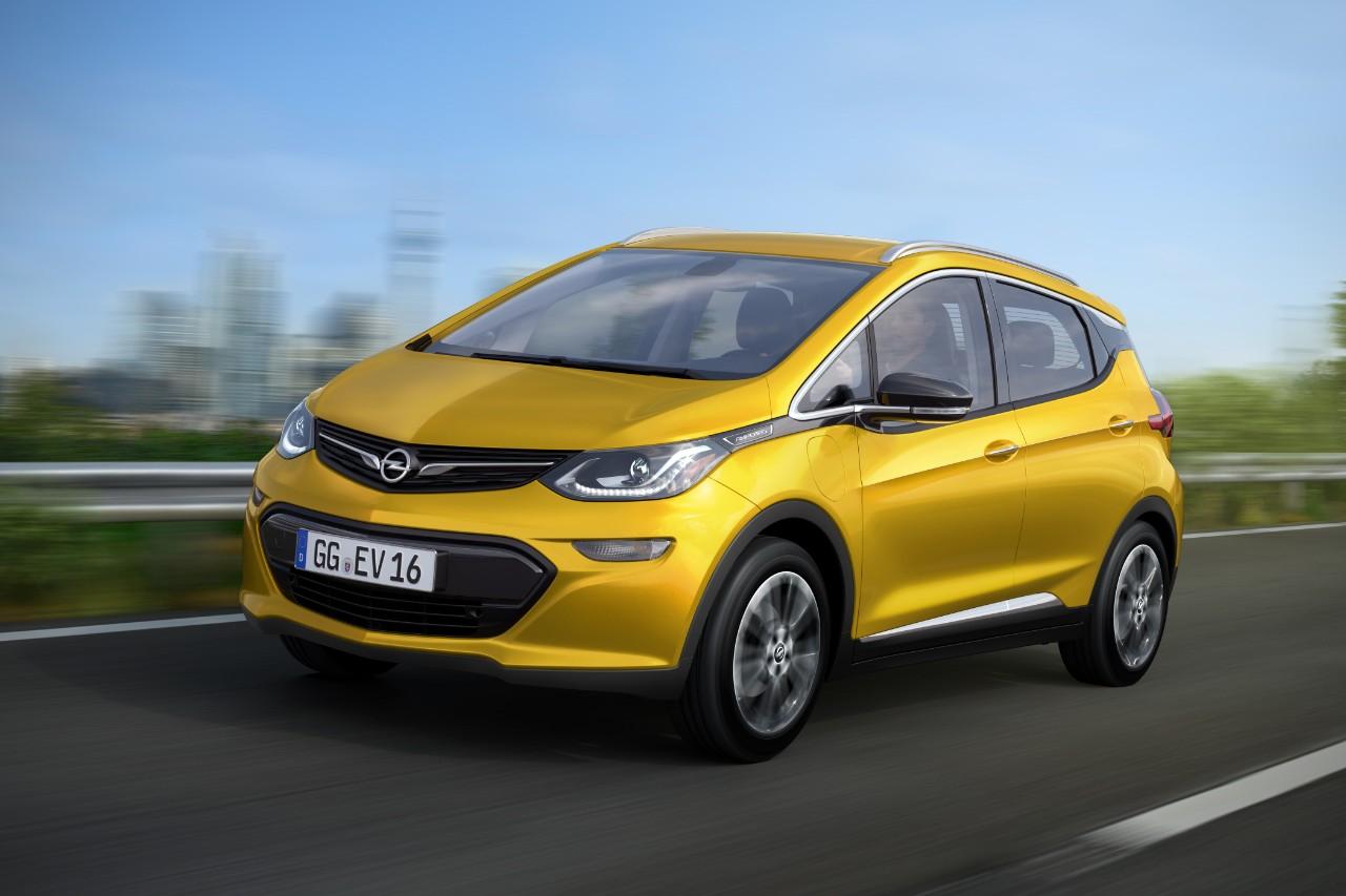 Opel cambia le regole con Ampera-e