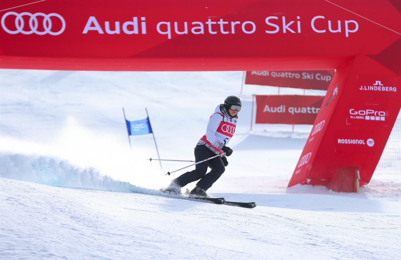 A via la prima Audi quattro Ski Cup