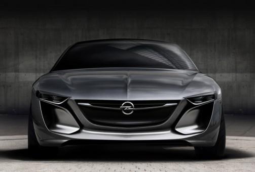 Opel Insignia 2017: prime indiscrezioni