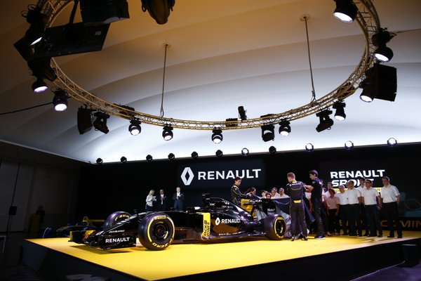 Kevin, attento: Renault punta Alonso