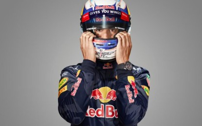 Ricciardo not ruling out more Ferrari rumours