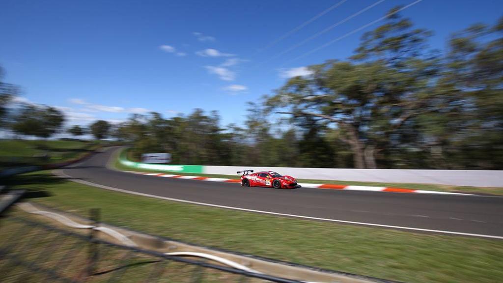 Bathurst: una Ferrari ai piedi del podio