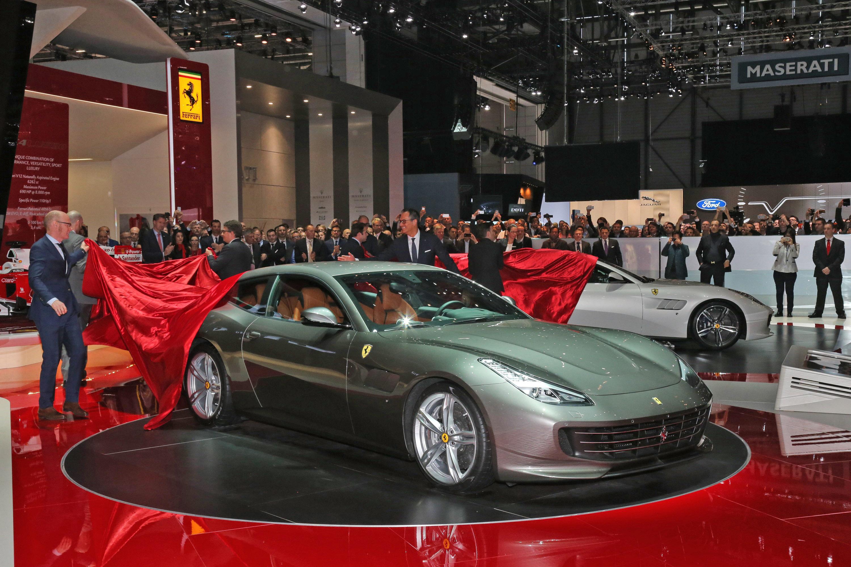 Il debutto della Ferrari GTC4Lusso