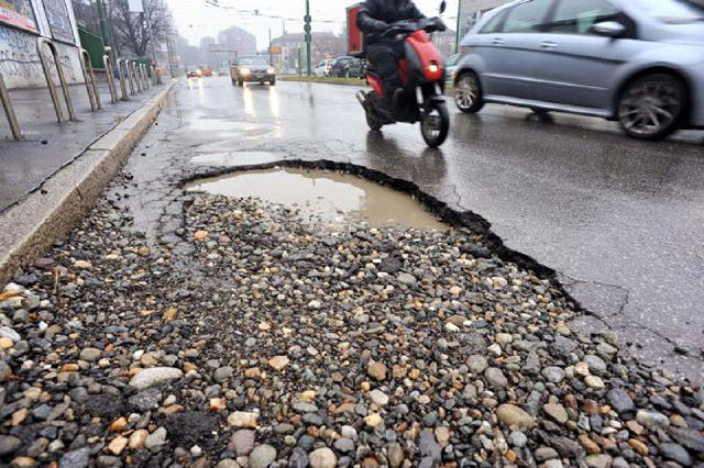 Strade dissestate e rischi incidente