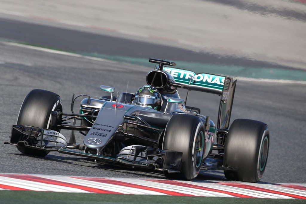Test F1: Mercedes parte col piede giusto