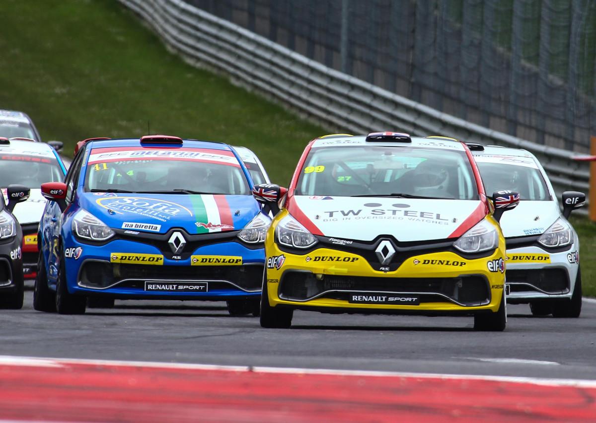 Scatta da Imola la Clio Cup Italia 2016