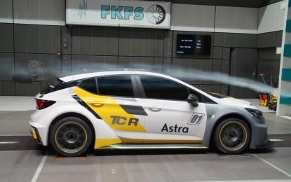 Opel Astra TCR: aerodinamica top!