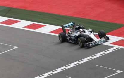 Russia: Hamilton davanti a Vettel nelle FP2
