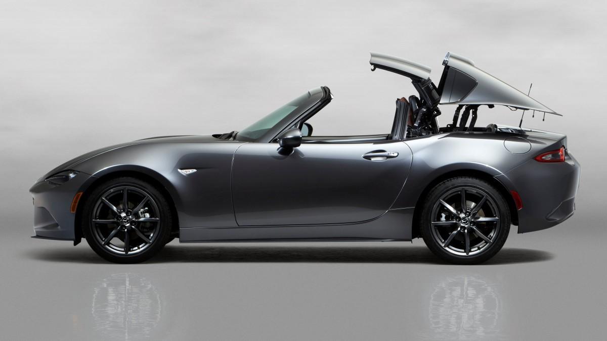 Mazda MX-5 RF con tetto elettrico retraibile