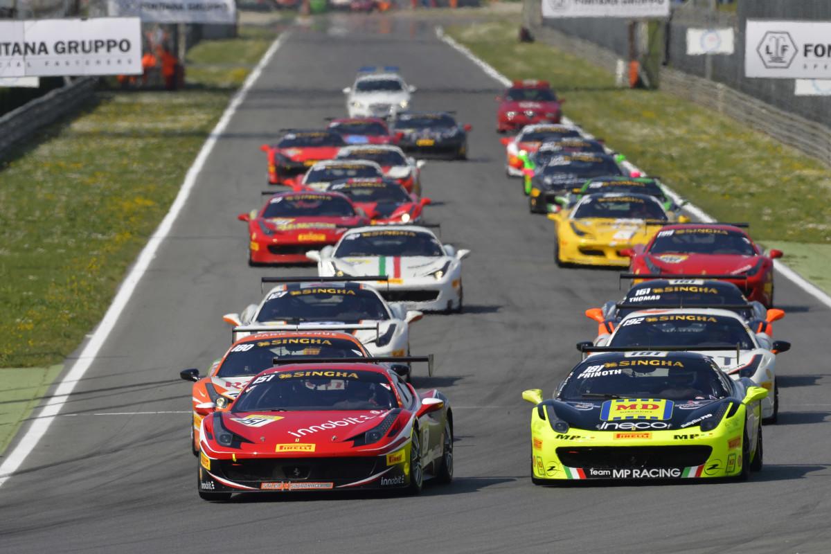 Entra nel vivo il Ferrari Challenge, anche in TV