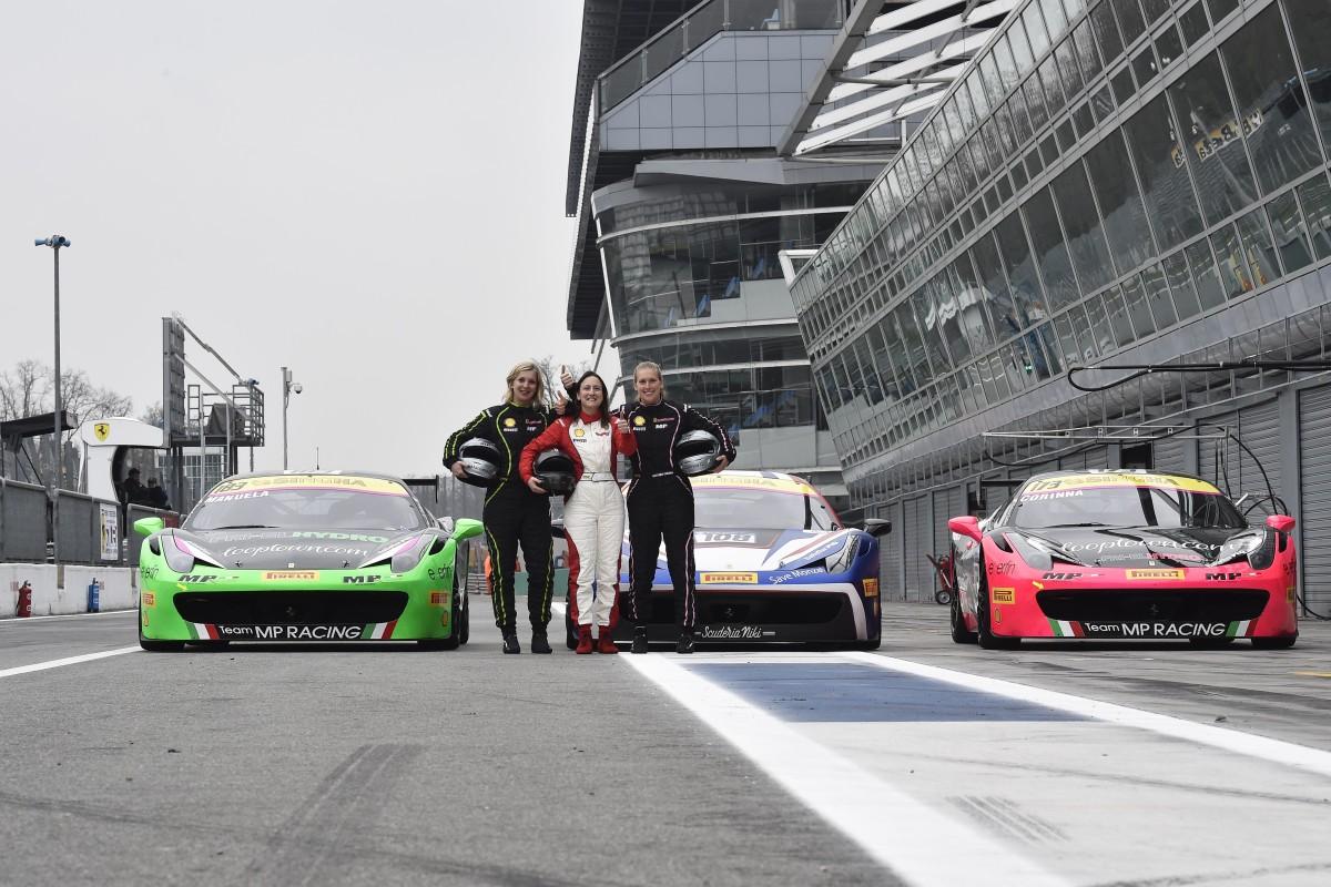 Ferrari Challenge: tre ragazze per una coppa