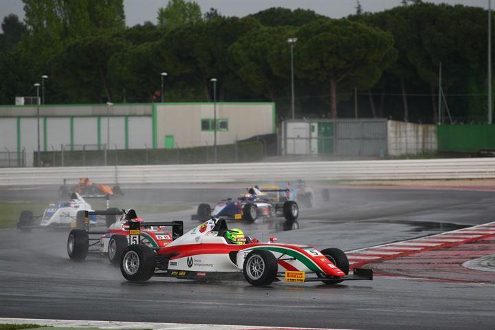 F4: Schumacher fa il bis in Gara 2