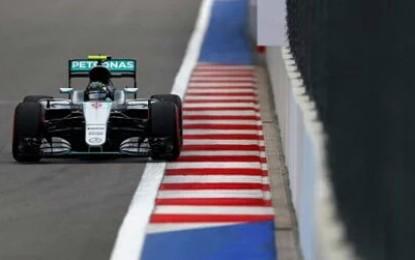 Russia: Rosberg di nuovo in pole