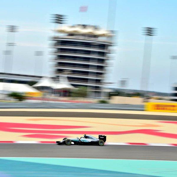 Bahrain: Mercedes e Kimi nelle prime libere