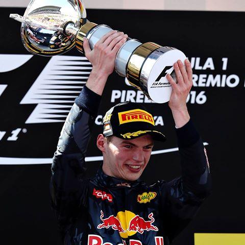 Spagna: Verstappen nella storia, davanti alle Ferrari. Mercedes KO