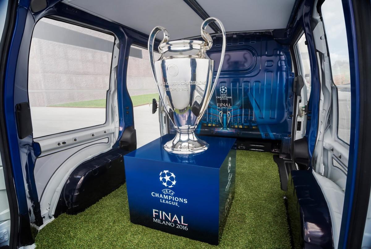 Nissan elettrizza Milano per la Finale Champions