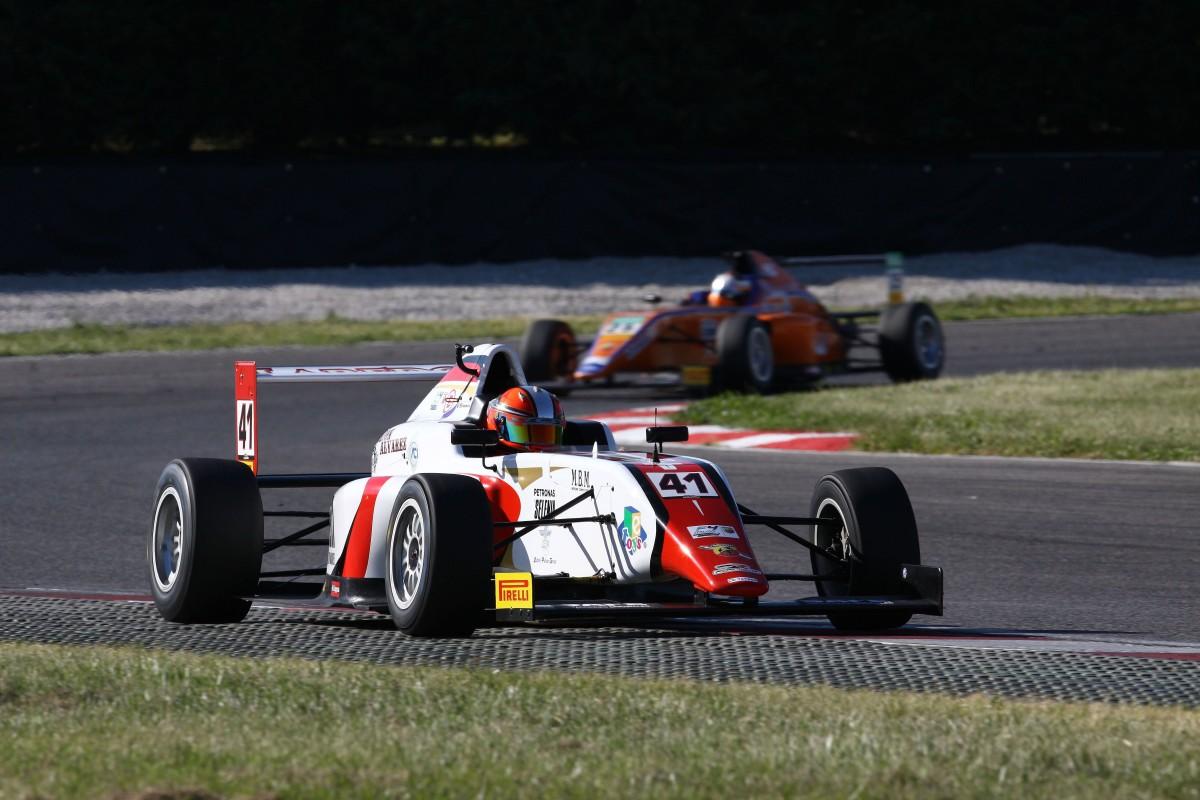 Italian F4: Raul Guzman vince Gara 2 ad Adria