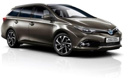 Toyota Auris Hybrid: le novità del MY16