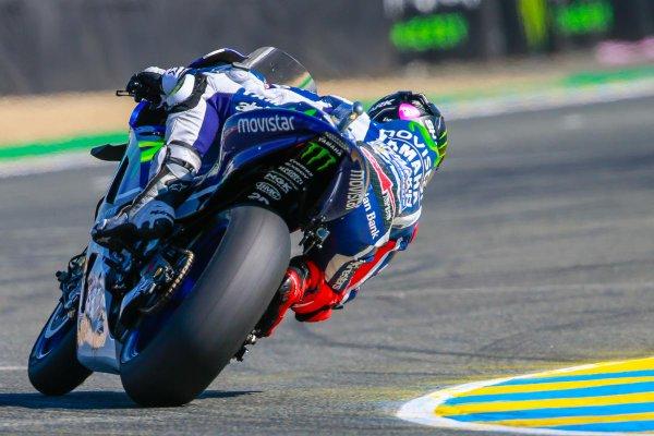MotoGP: pole spettacolare di Lorenzo in Francia