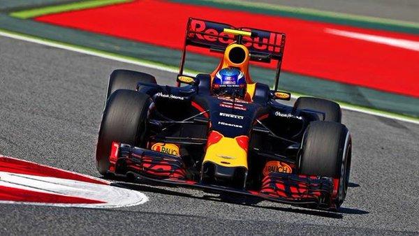 Test F1: Verstappen davanti a tutti