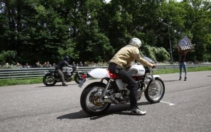 Auto e moto nel weekend dell'Autodromo