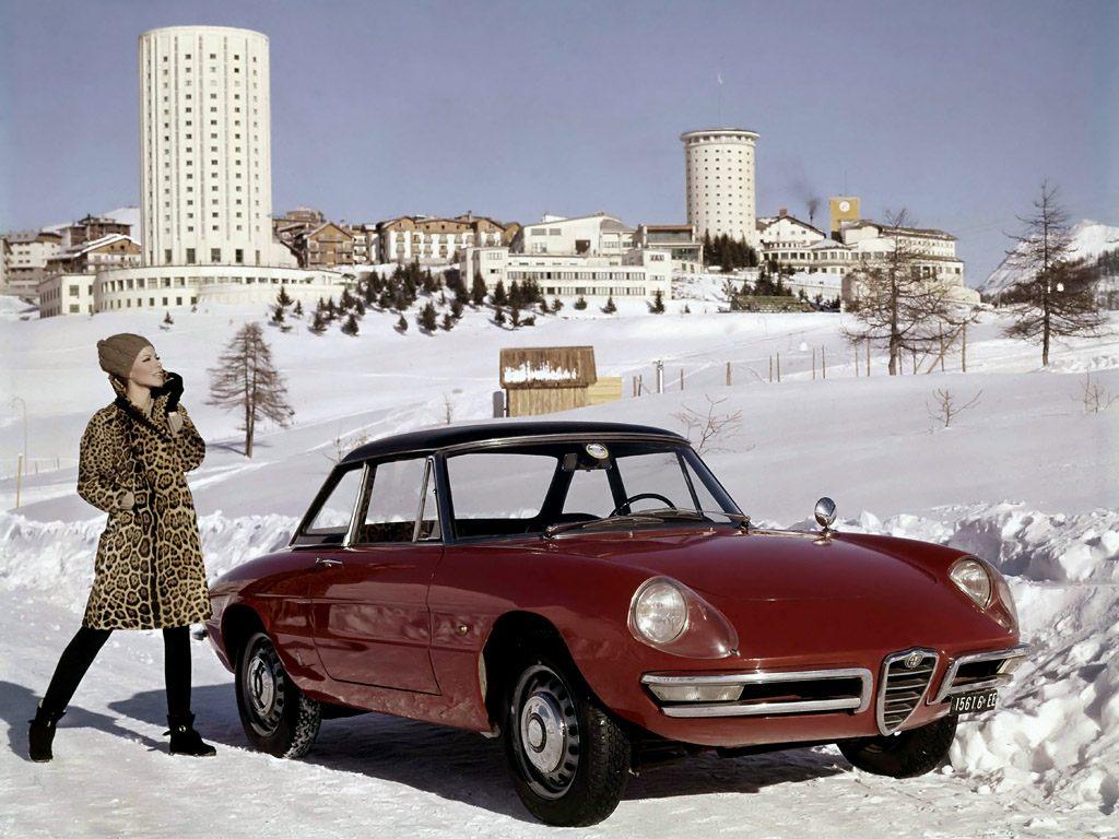 Alfa Romeo Spider Duetto: la festa per i 50 anni