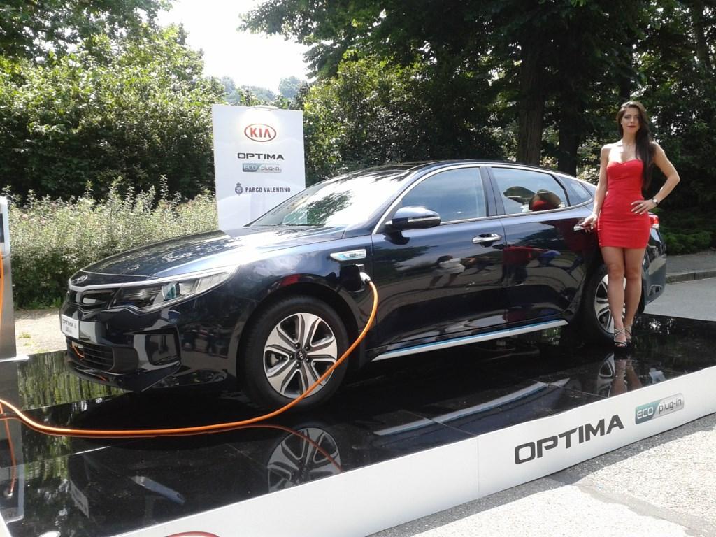 Kia: stile e tecnologia ibrida al Salone di Torino