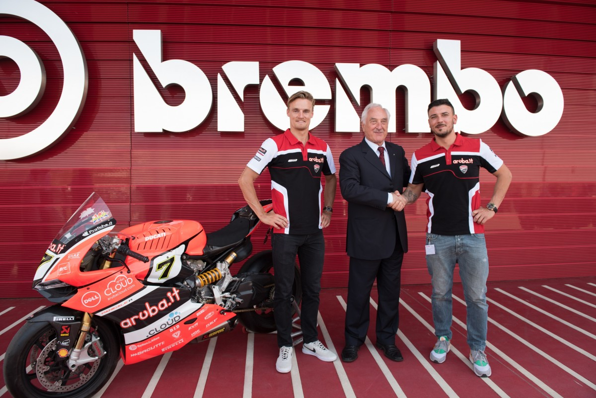 Aruba.it Racing Ducati in visita alla Brembo