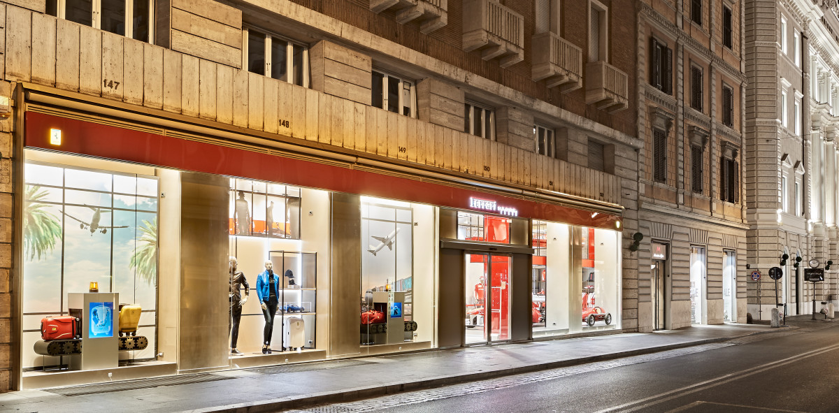Il Ferrari Store torna a Roma