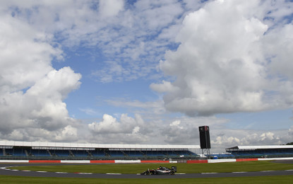 Gran Bretagna: pioggia e sole dettano le regole nei test in-season