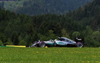 GP Austria: pole di Hamilton al termine di un'ora movimentata