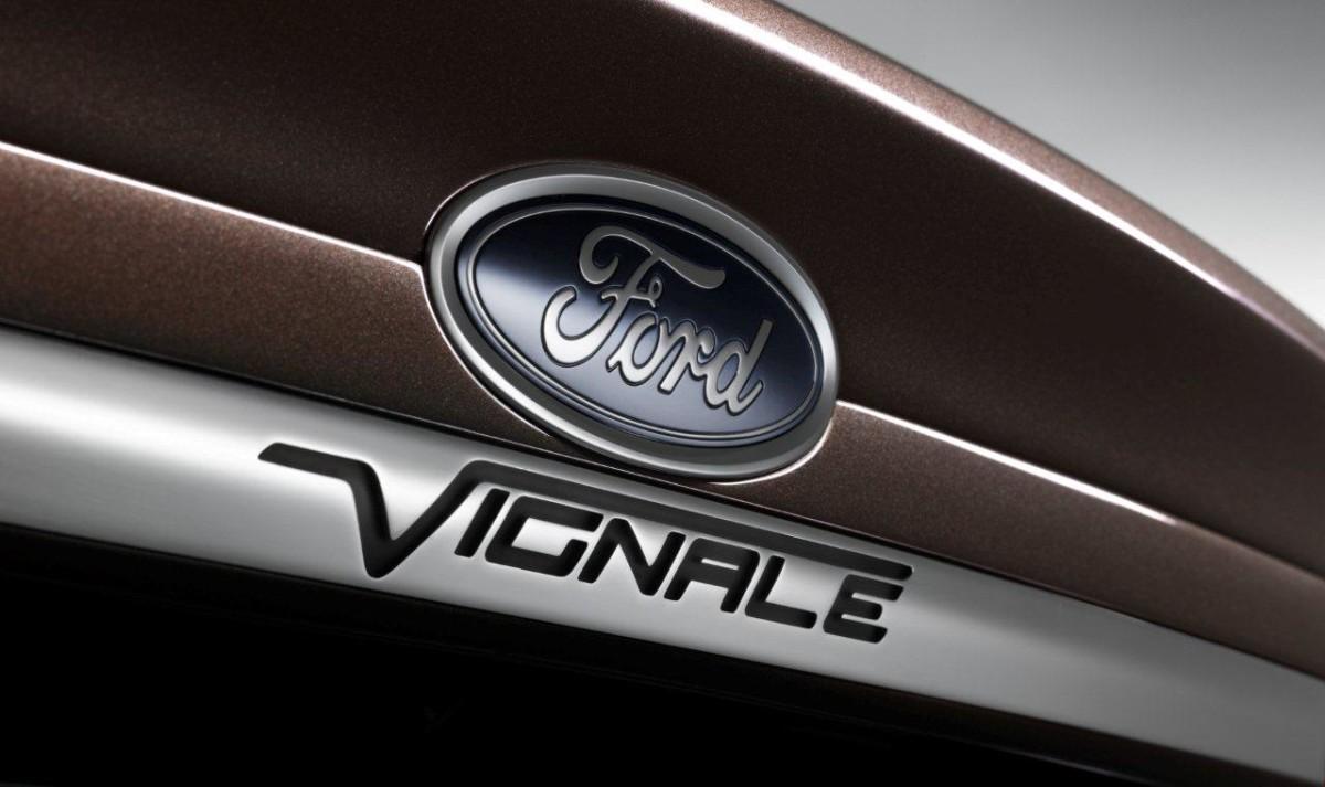 Ford Mondeo Vignale Hybrid al Magna Graecia Film Festival