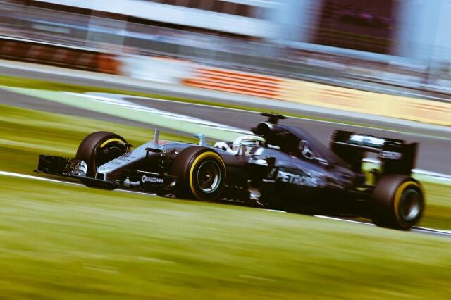 Gran Bretagna: Hamilton in pole, nella sessione dei tempi cancellati