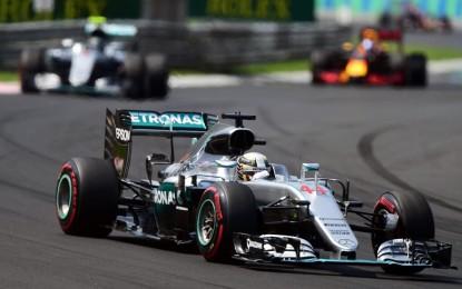GP Ungheria: Hamilton vince ed è leader