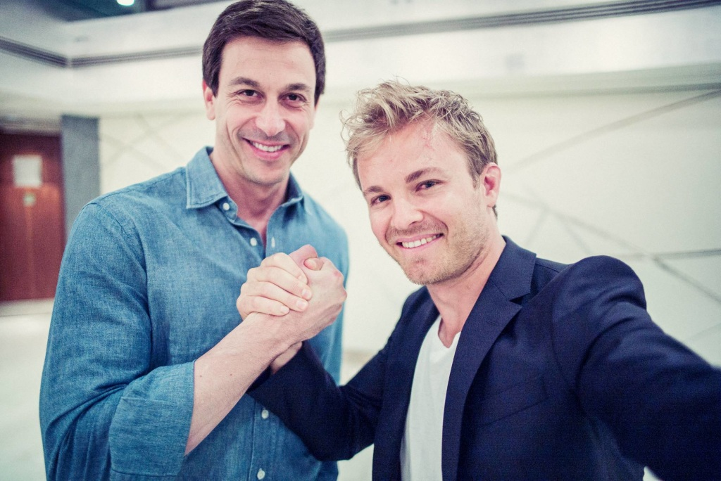 Mercedes rinnova il contratto con Nico Rosberg