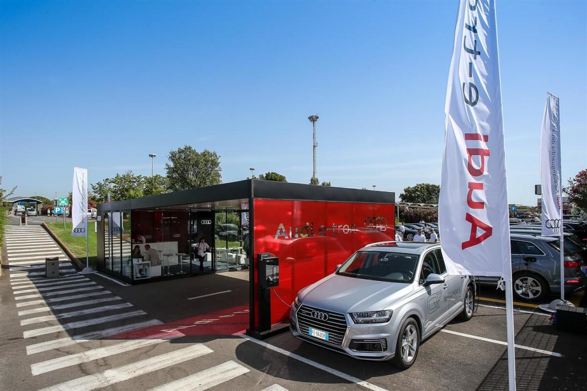Audi e-tron Hub e la Costa Smeralda
