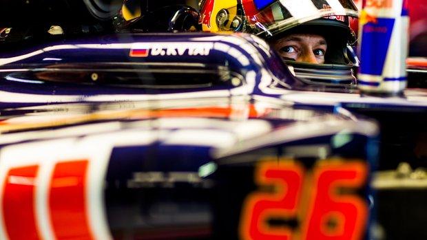 GP Germania: Kvyat le canta chiare. Sainz penalizzato