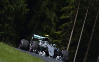GP Austria: nelle libere crolla il record sul giro