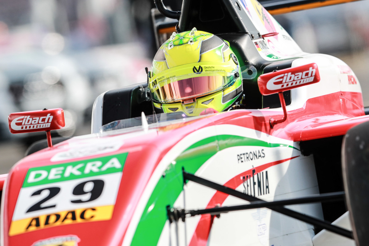 ADAC F4: Mick Schumacher takes pole at the Nürburgring